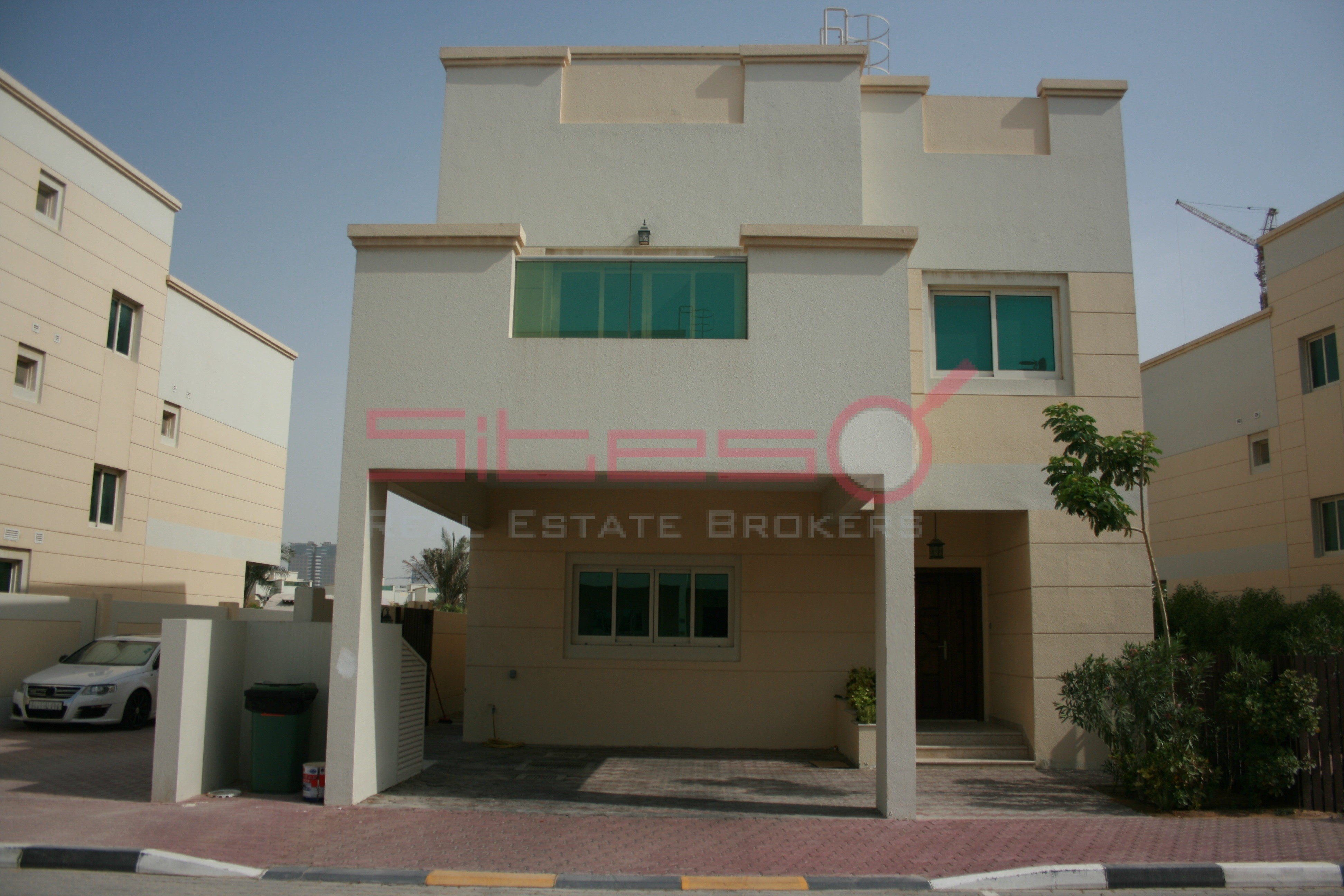 4-bed-maids-circle-villa-ready-for-rent