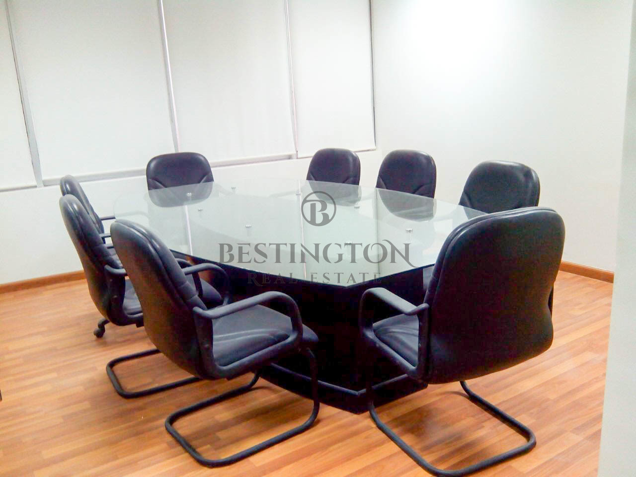 fully-fitted-and-furnished-office-space