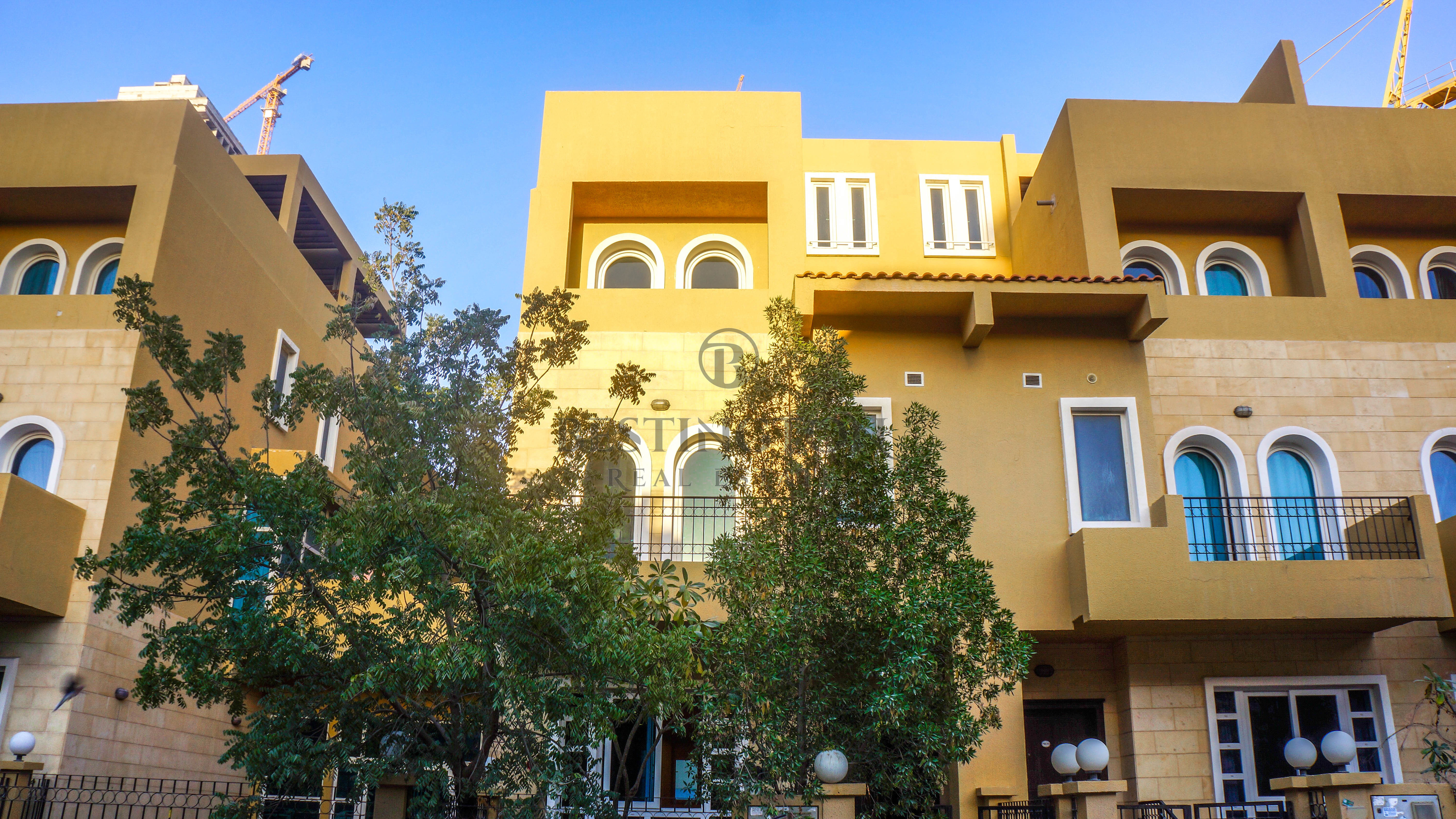 well-maintained-stunning-4br-townhouse