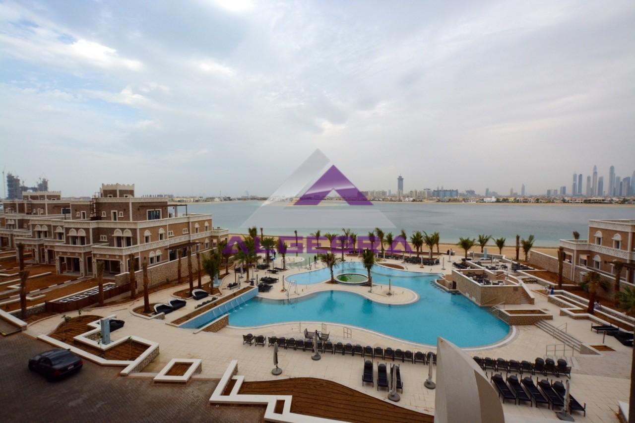 full-sea-pool-burj-and-skyline-view