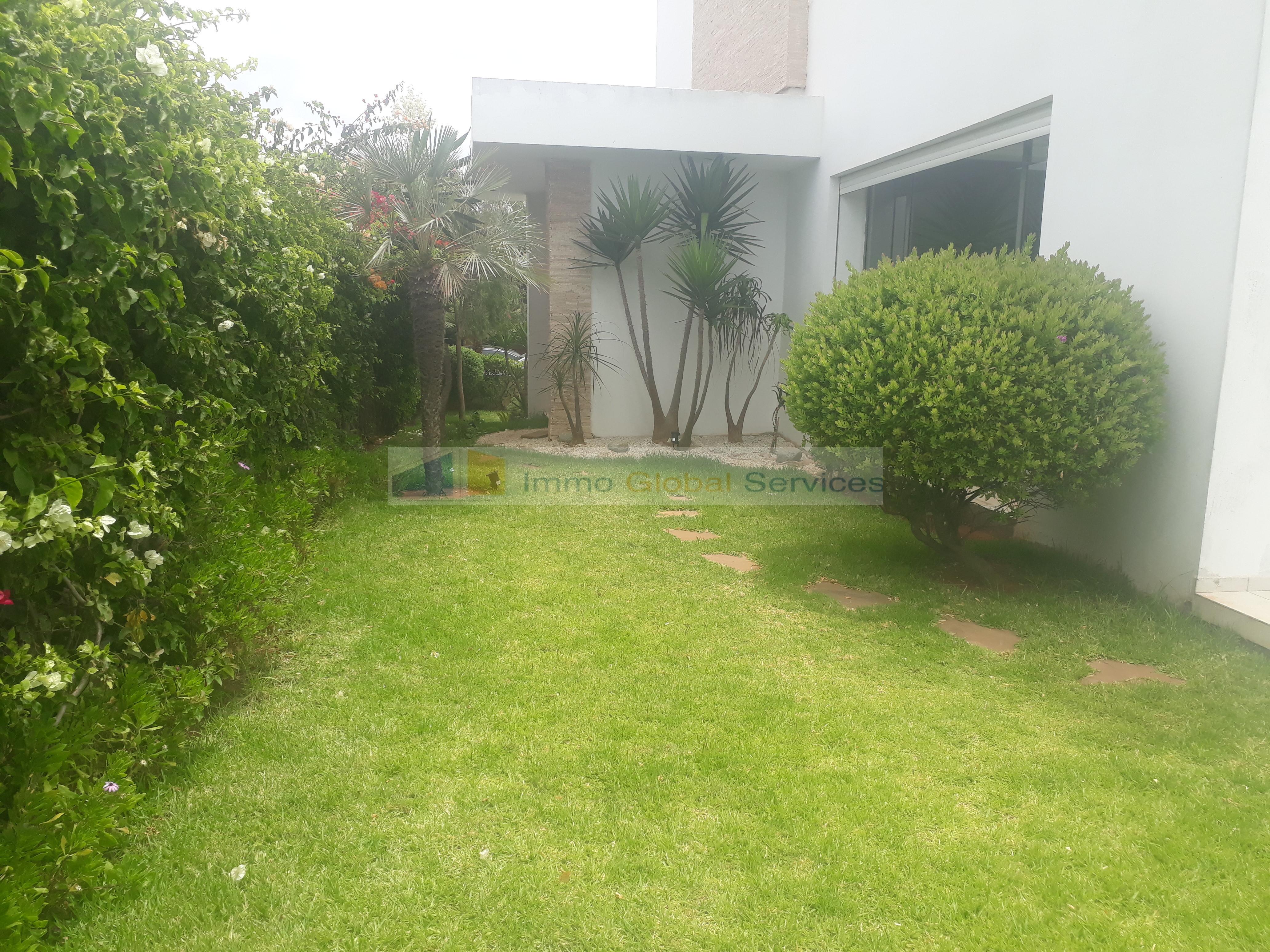 Location <strong>Villa</strong> Casablanca Ain Diab <strong>500 m2</strong> - 4 chambre(s)
