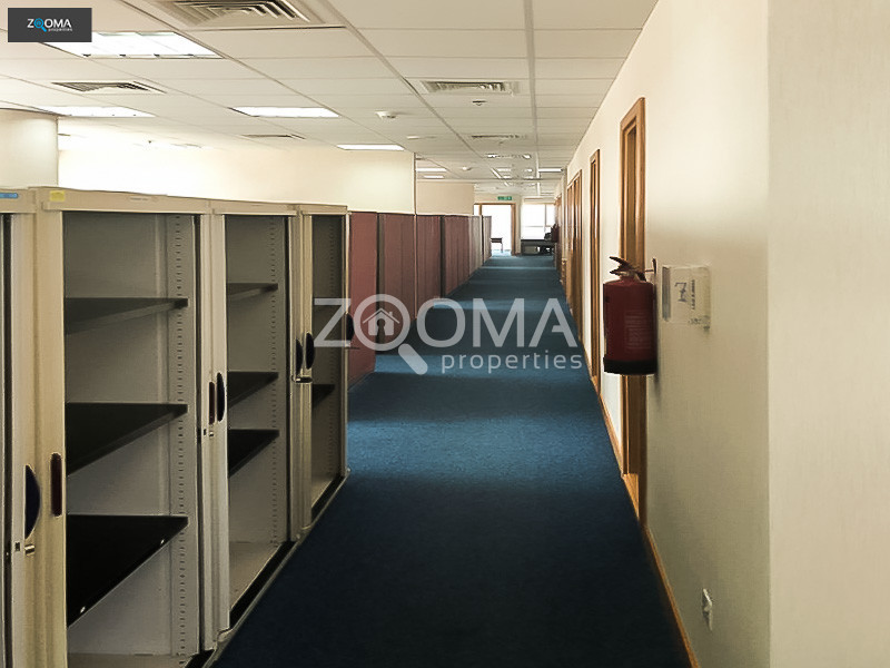 furnished-and-fitted-office-high-floor