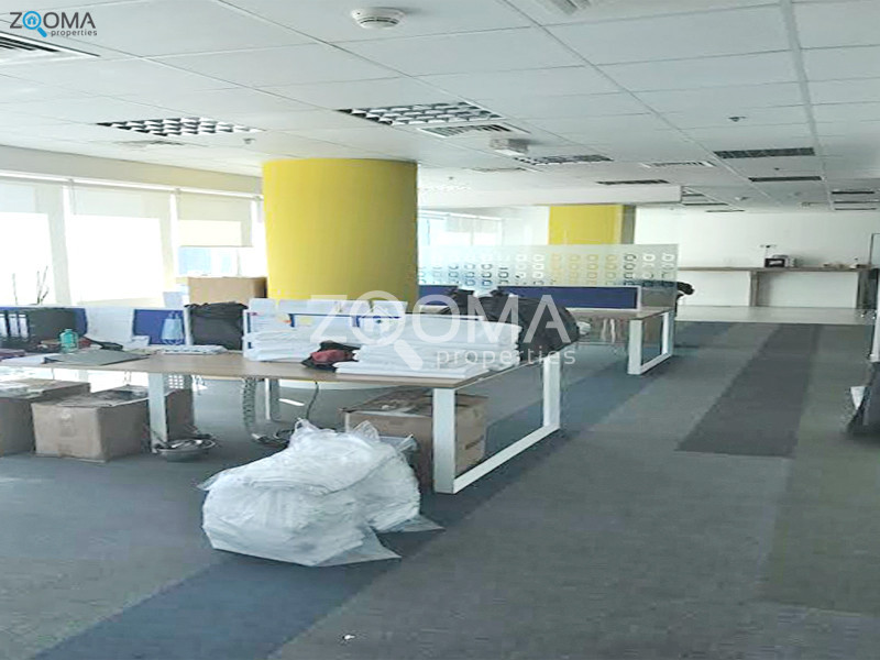 office-floor-vacant-fully-fitted