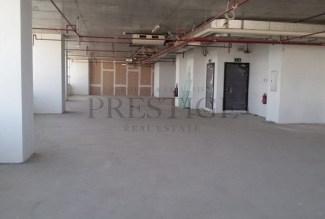 higher-floor-i-bright-and-spaced-out-office-space