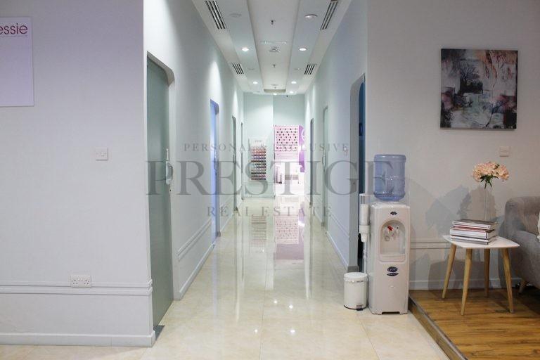 fully-operational-running-ladies-salon-dubai-marina