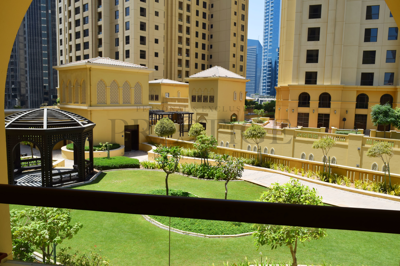 studio-furnished-nr-tram-garden-view