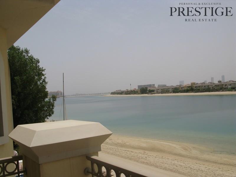5-bedrooms-frond-c-marina-view-atrium-entry