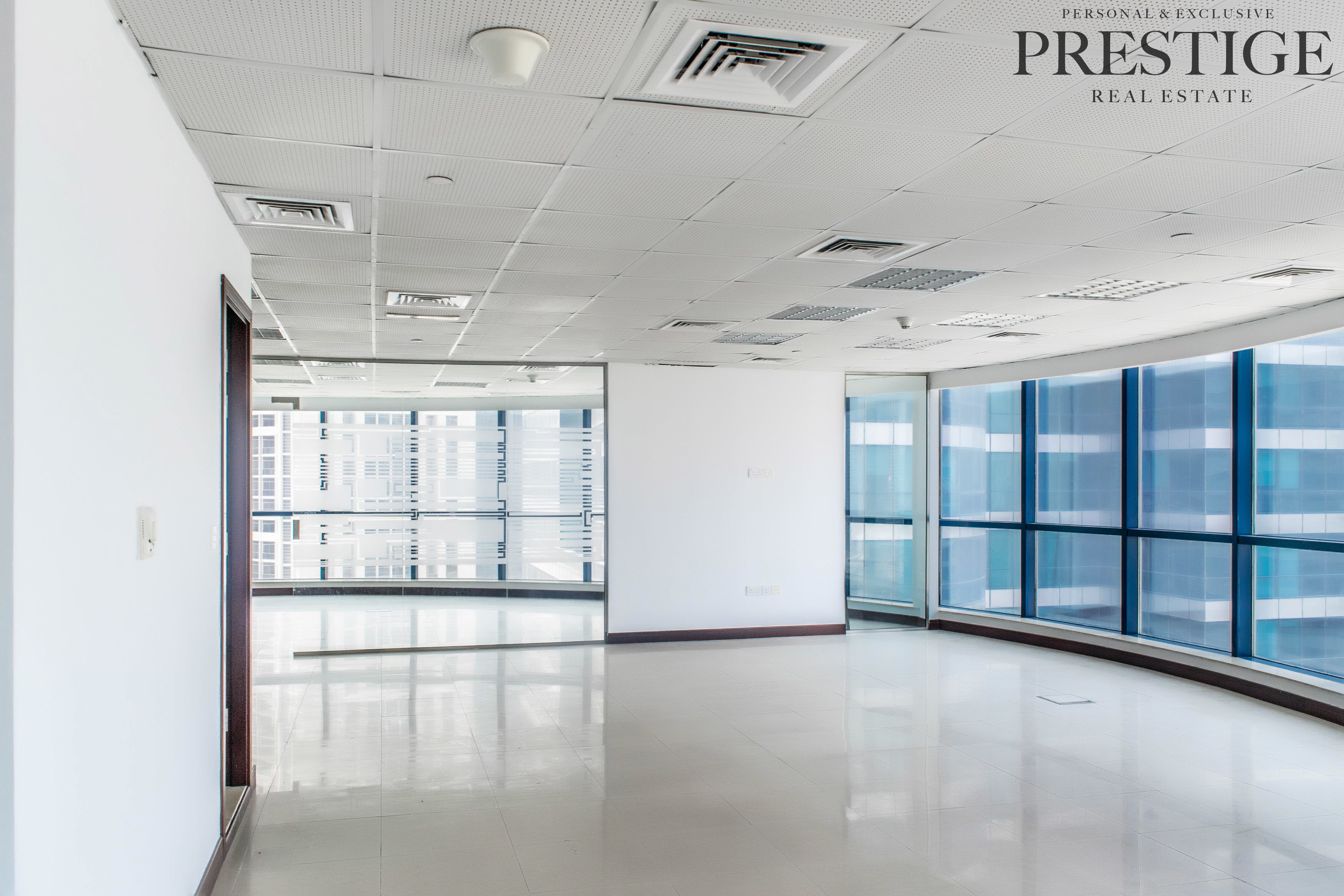 fitted-office-glass-partitions-lake-view-jlt