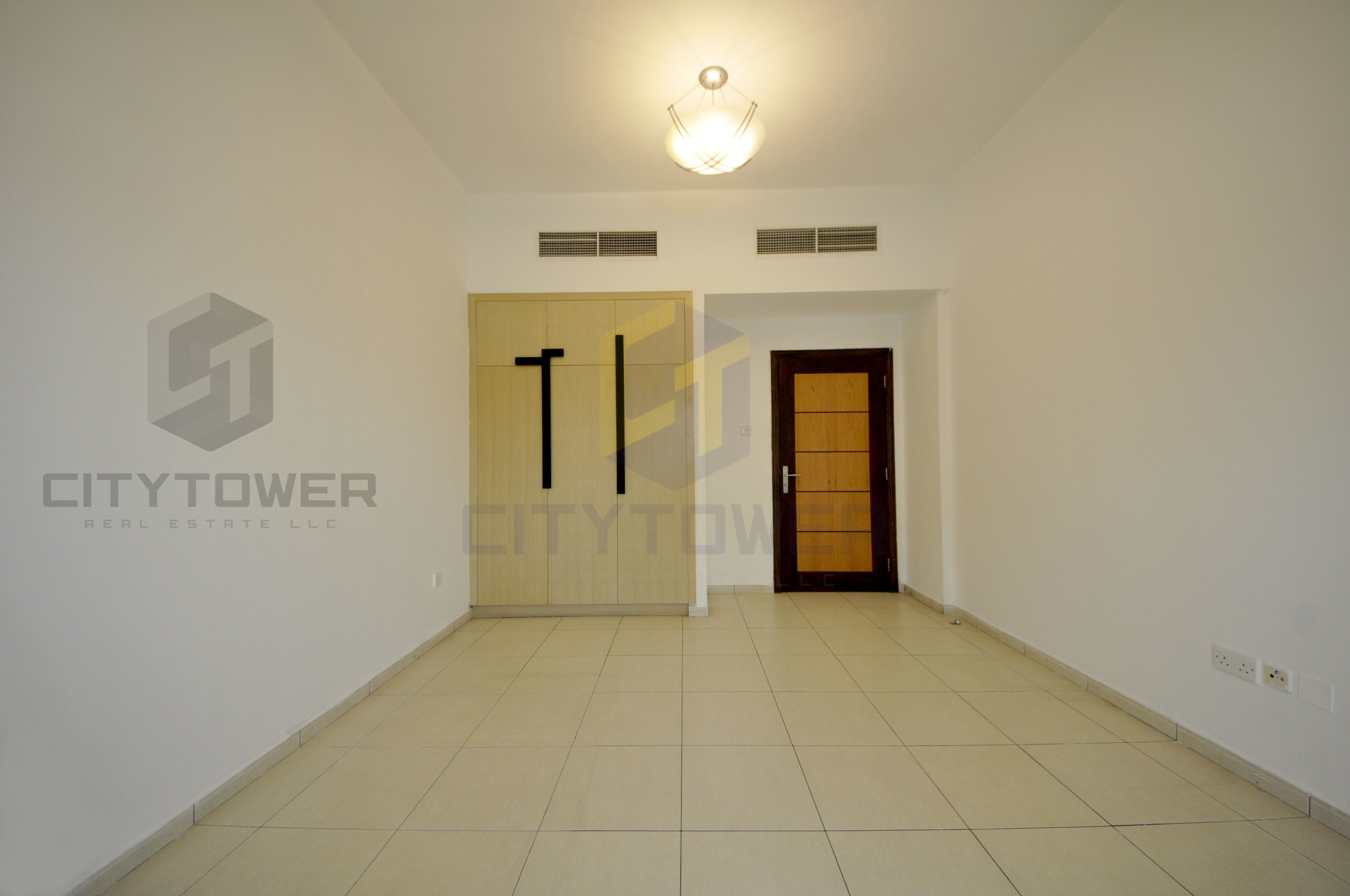 2BHK in front of Ghazaal Mall Near Jumairah1