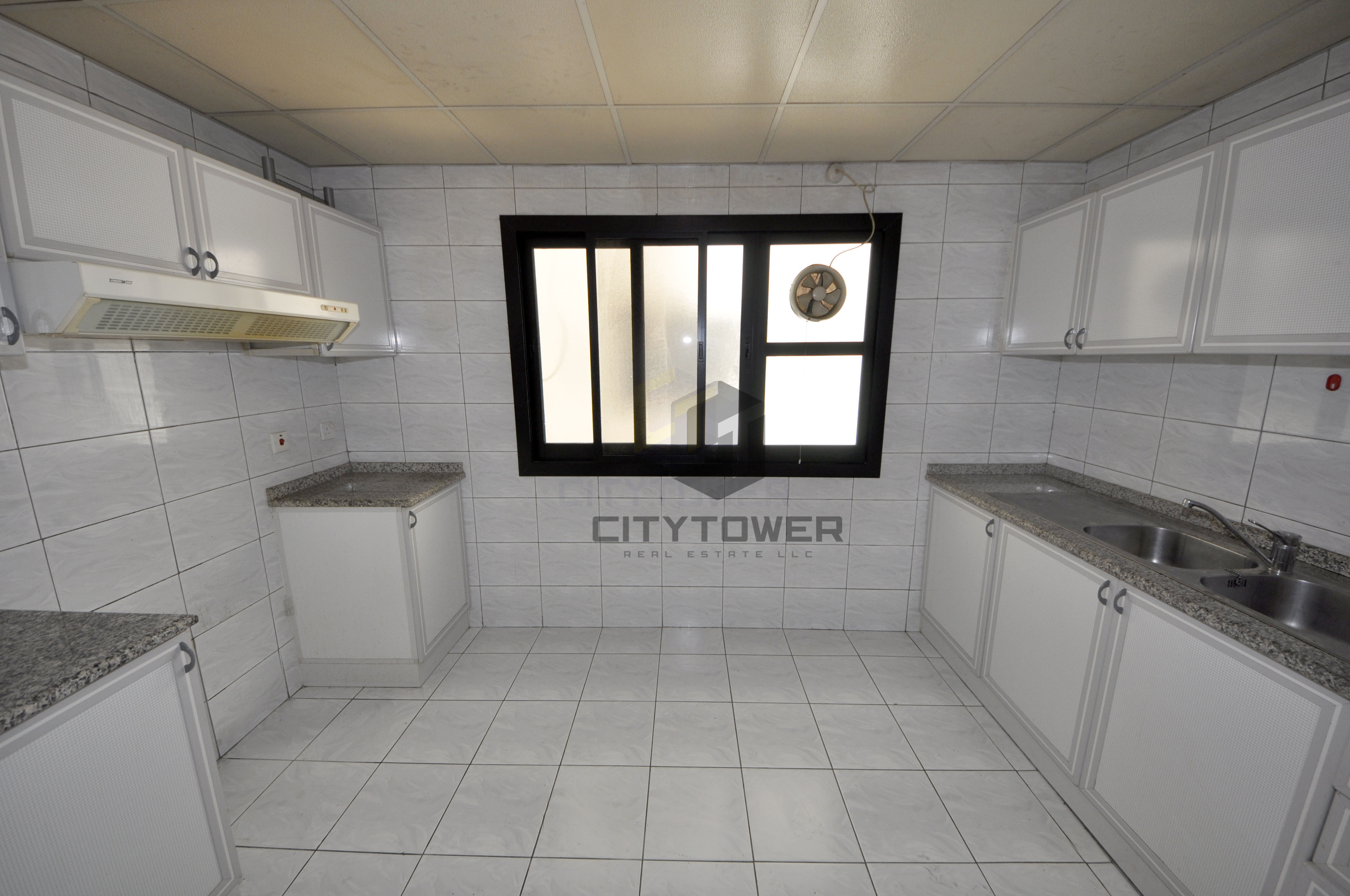 Massive Chiller Free 1BED room with parking