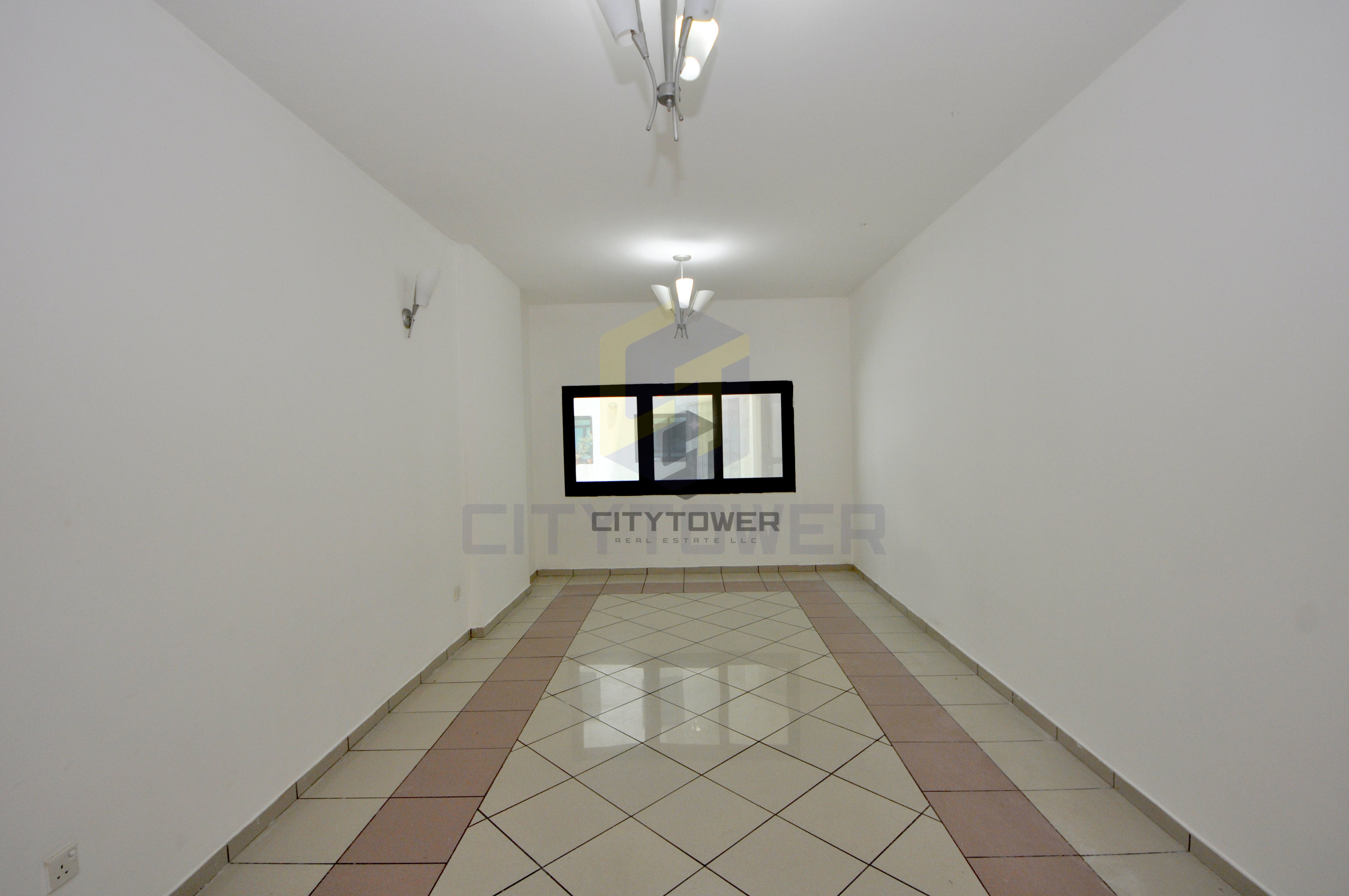 Chiller Free - Studio with Balcony and Parking