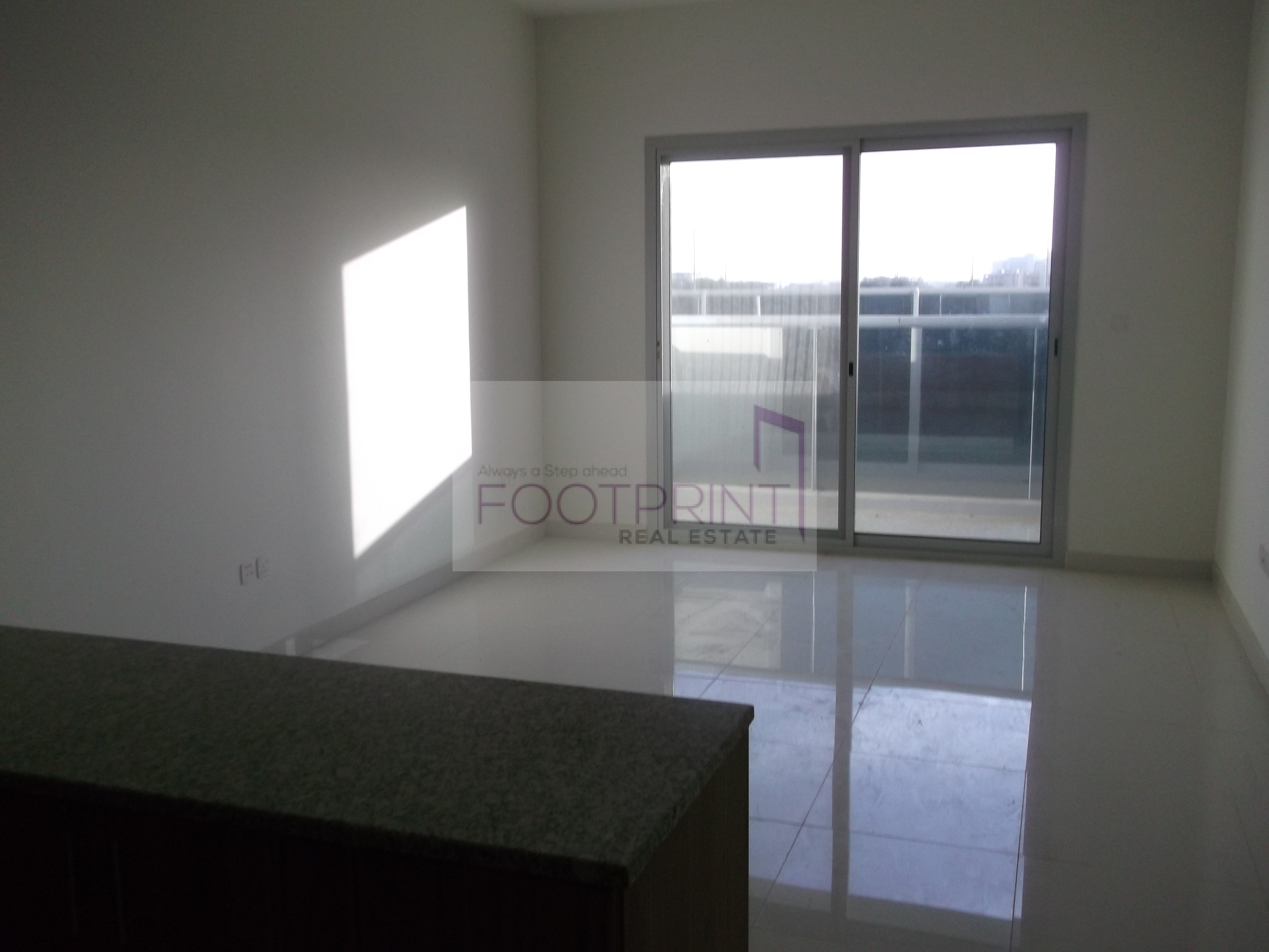 Huge Studio with less price in silicon