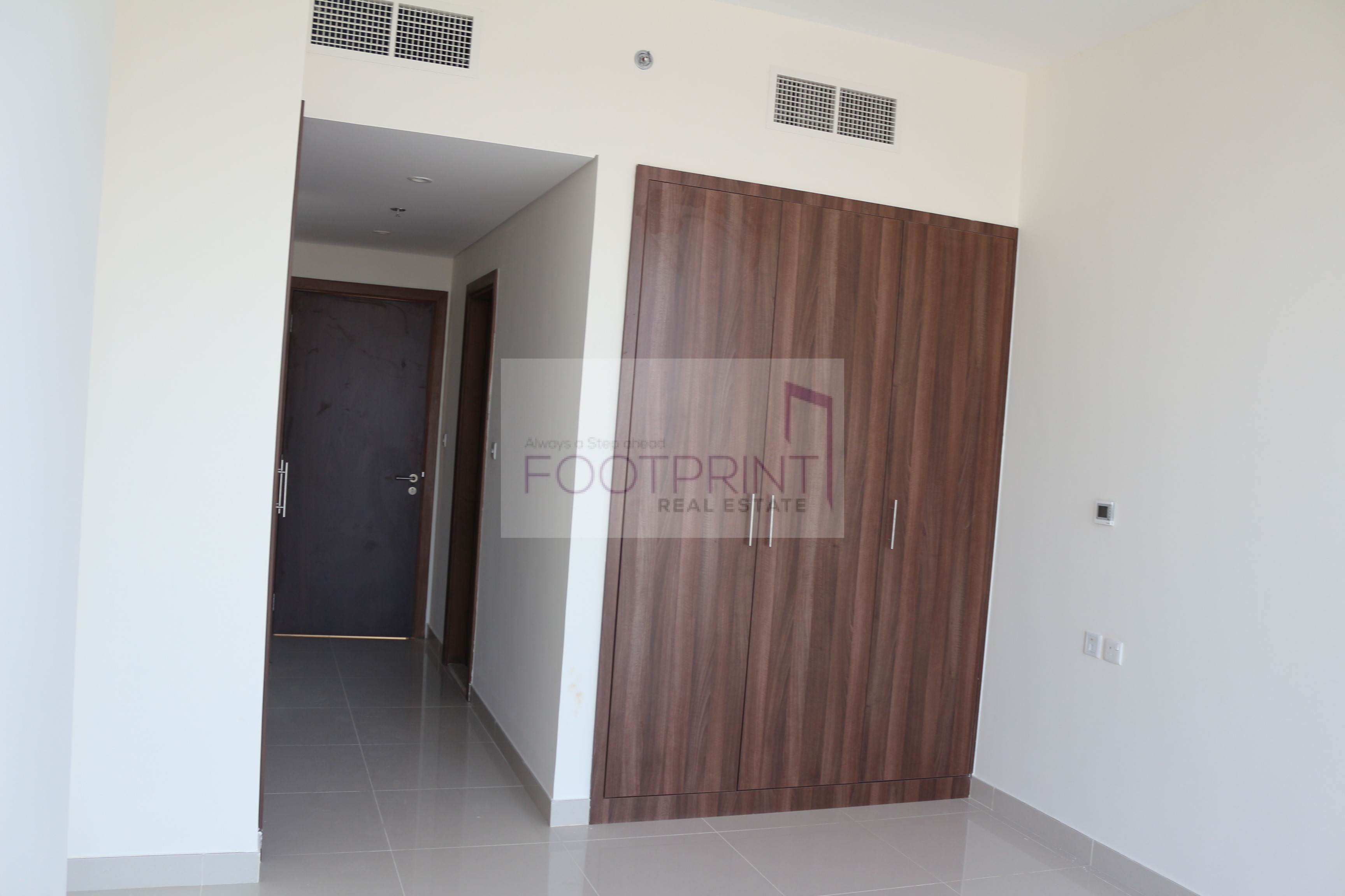 Brand new studio for rent reef residence