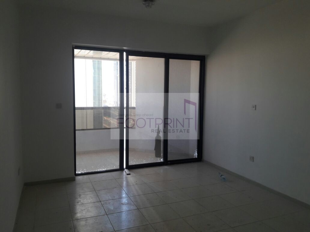 Large Room | 3 bedroom | Well maintained