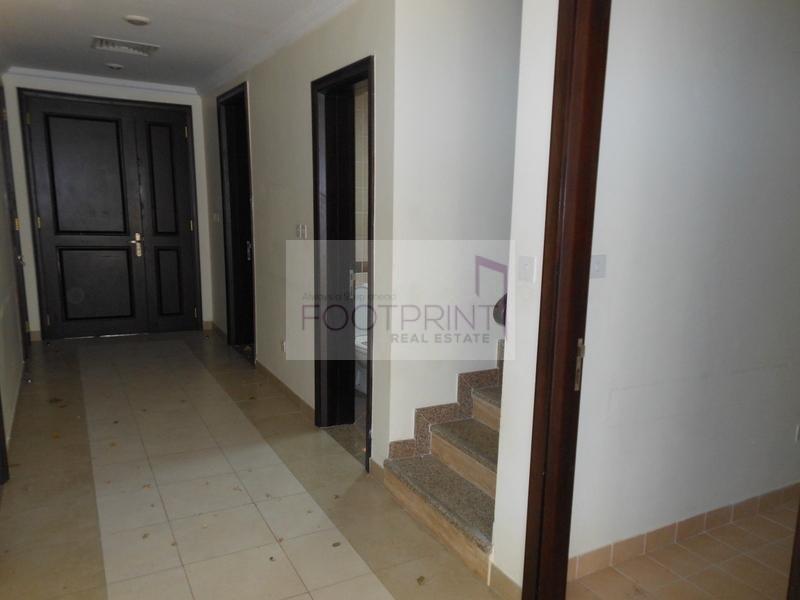 Al Barsha 3BR GATED COMMUNITY VILLA Rent