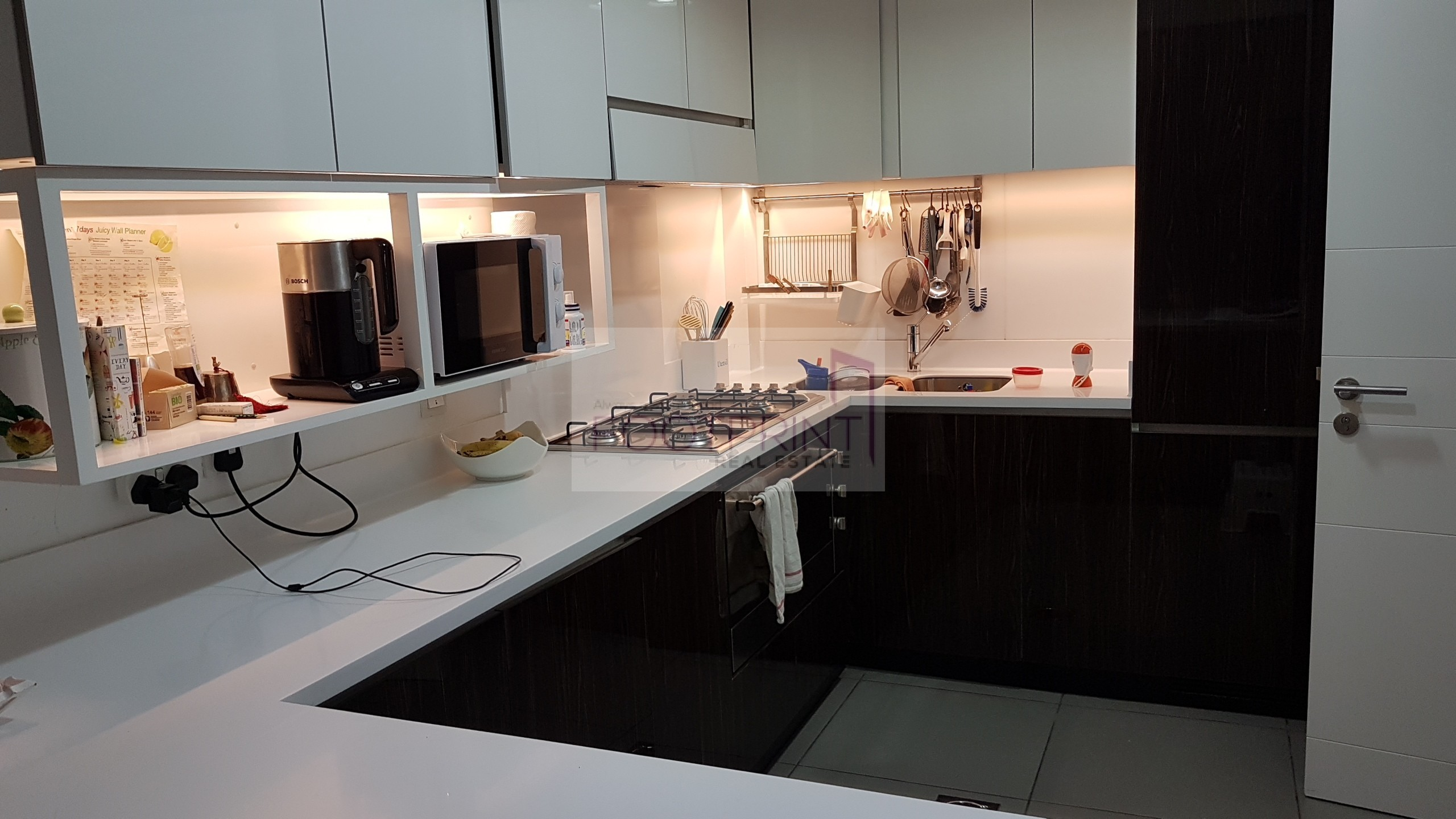 Top End Fully Upgraded 3Br+M 2 Parkings