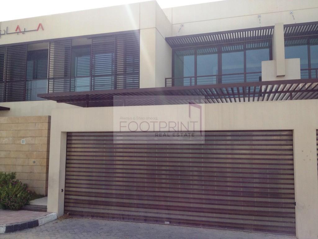 Jumeirah1 Commercial 4BR Villa Wasl Road
