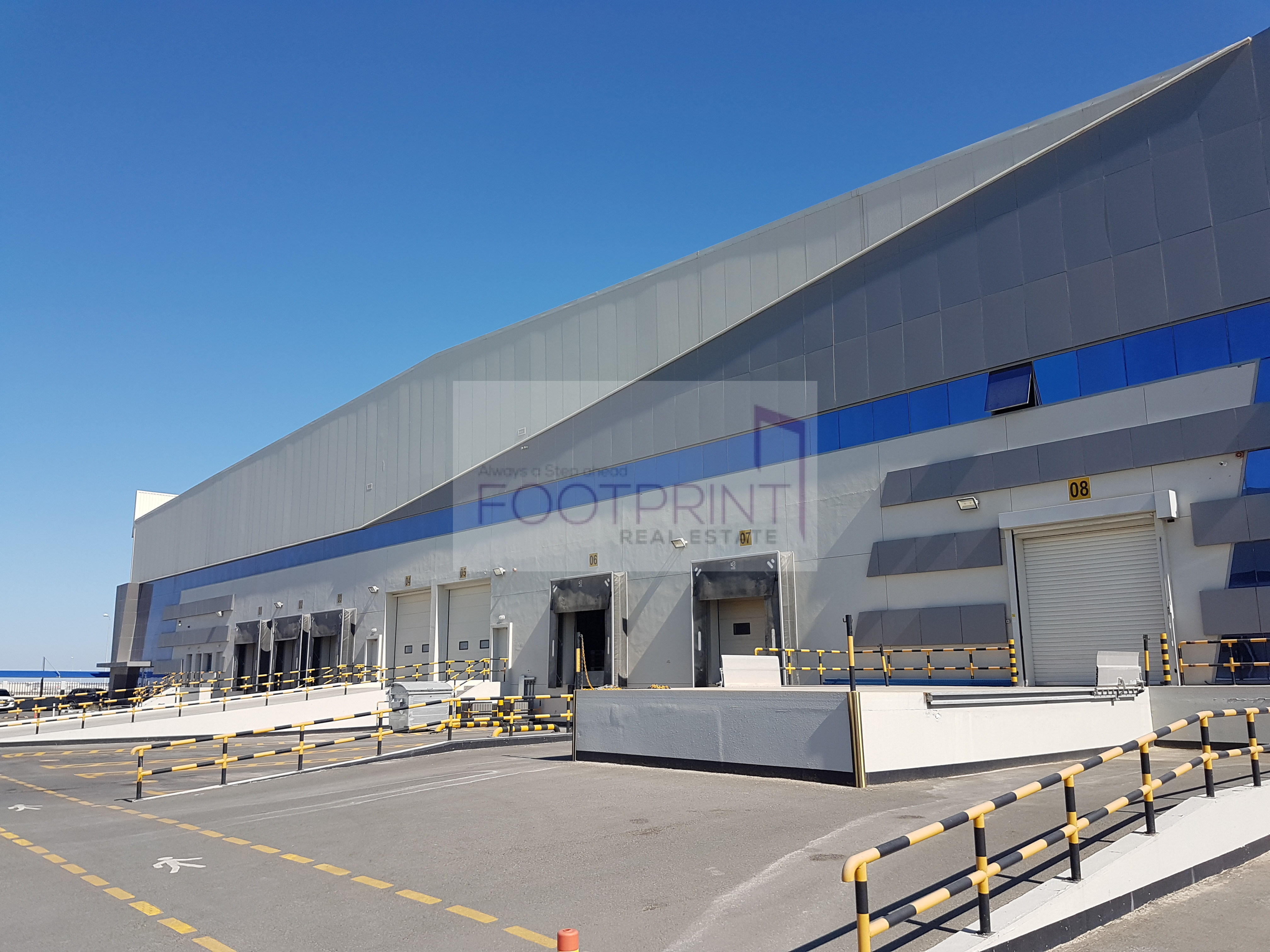 Logistic   Air Conditioned Big Warehouse
