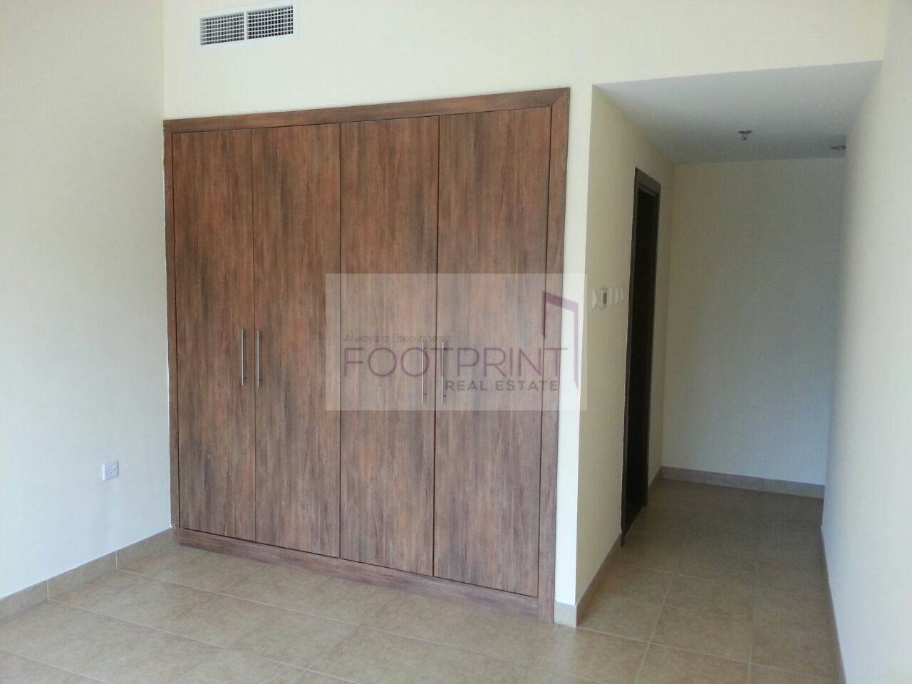 Chiller Free 1Bhk In Golf View Residence