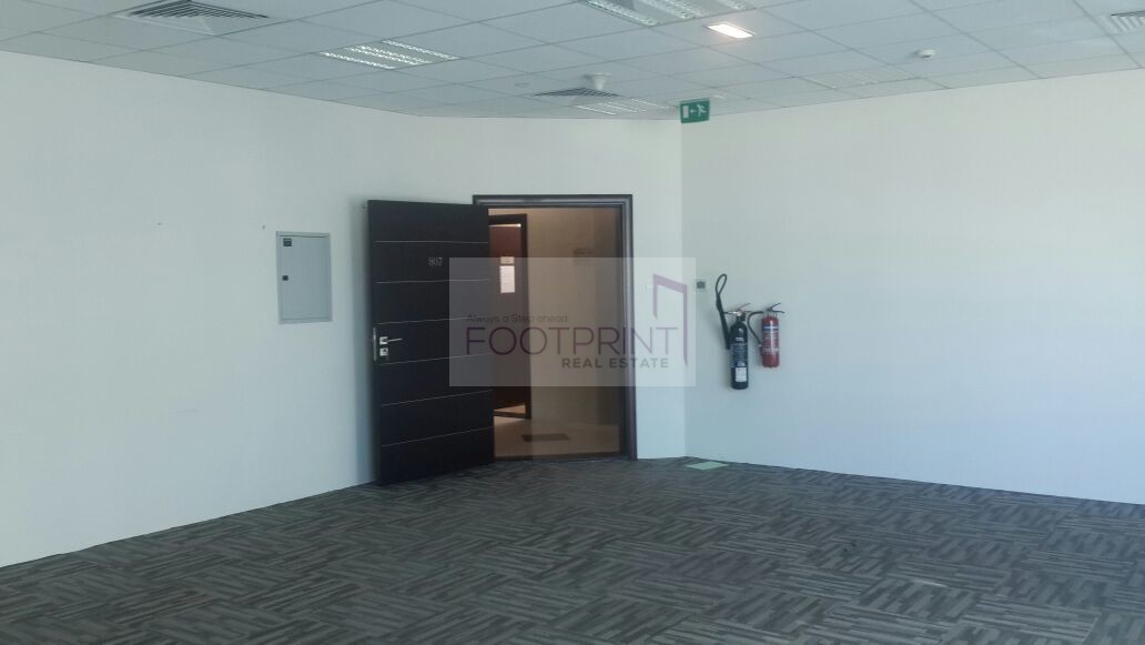 Fitted Office For  66,000 AED Canal View