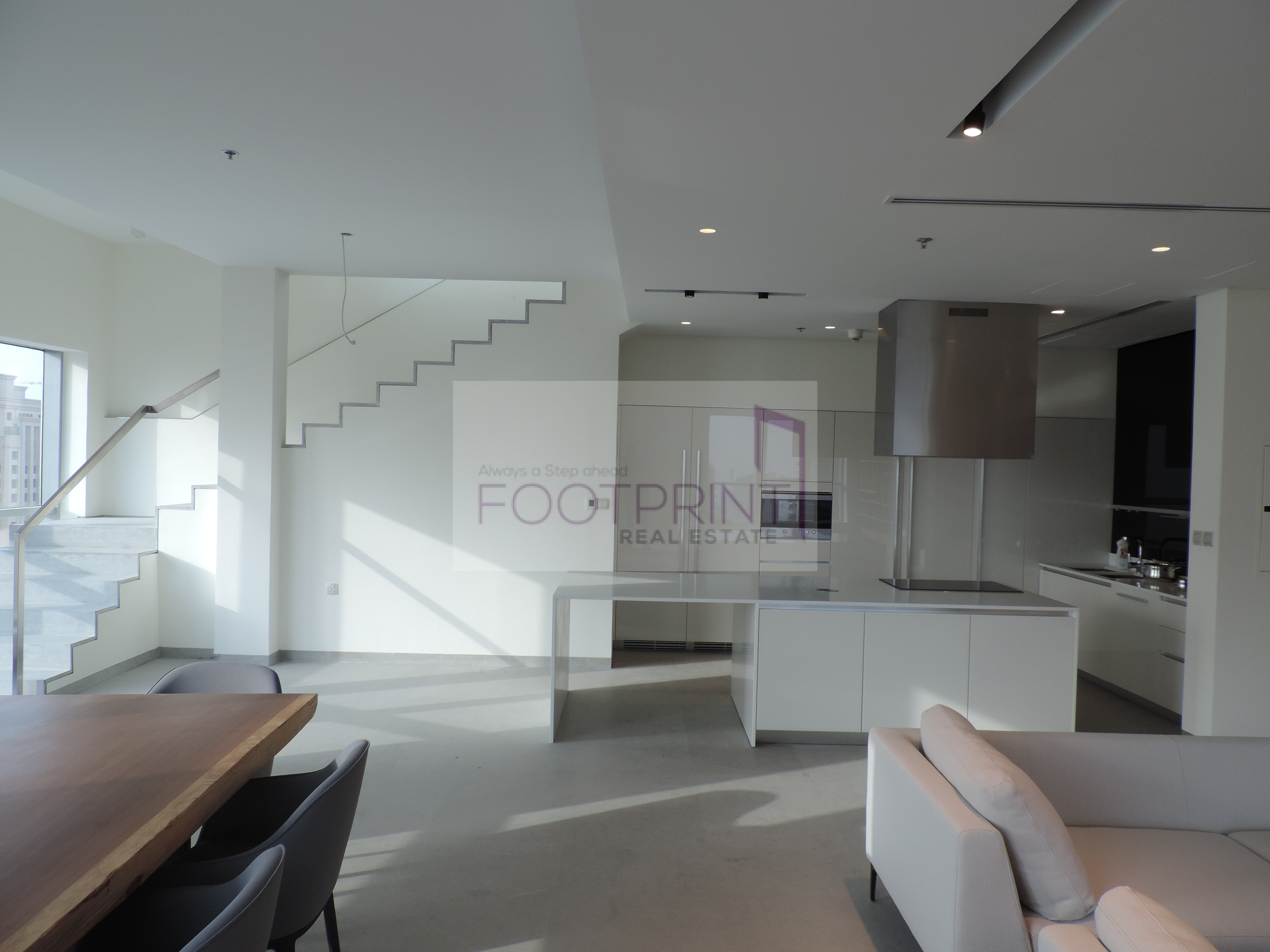 Superb Fully Upgraded High Flr Penthouse