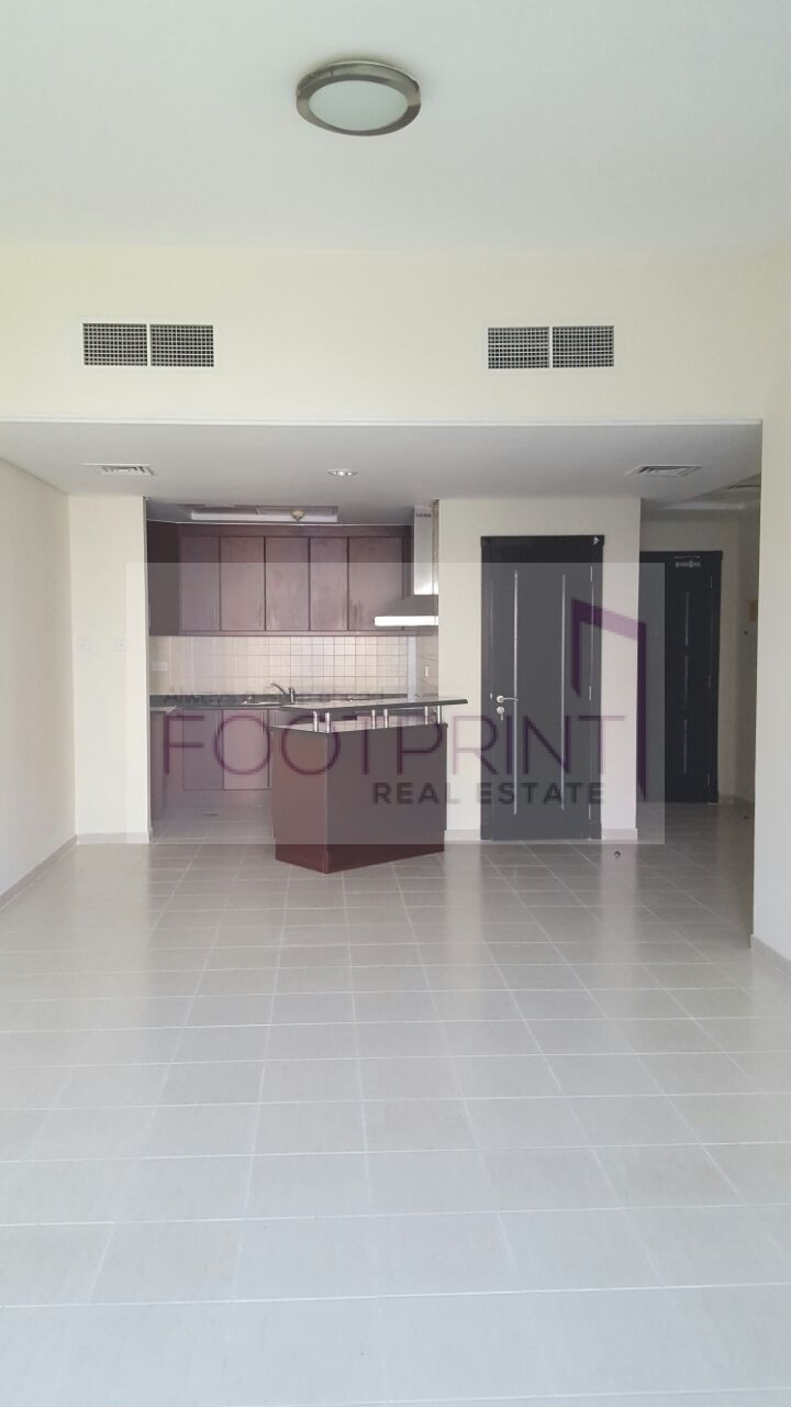 Vacant ! Med Cluster Large UType 1BHK