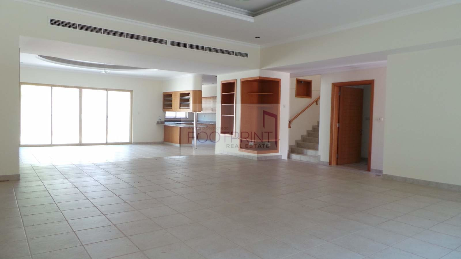 Spacious 5bedroom Great Location Jumeirah