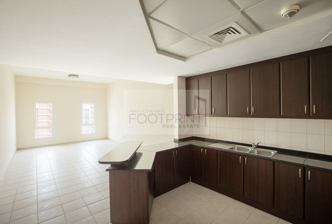 2 Bed Apt One Month Free Spacious Layout