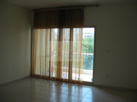 Nicely Kept 1BHK ! Community View Greens