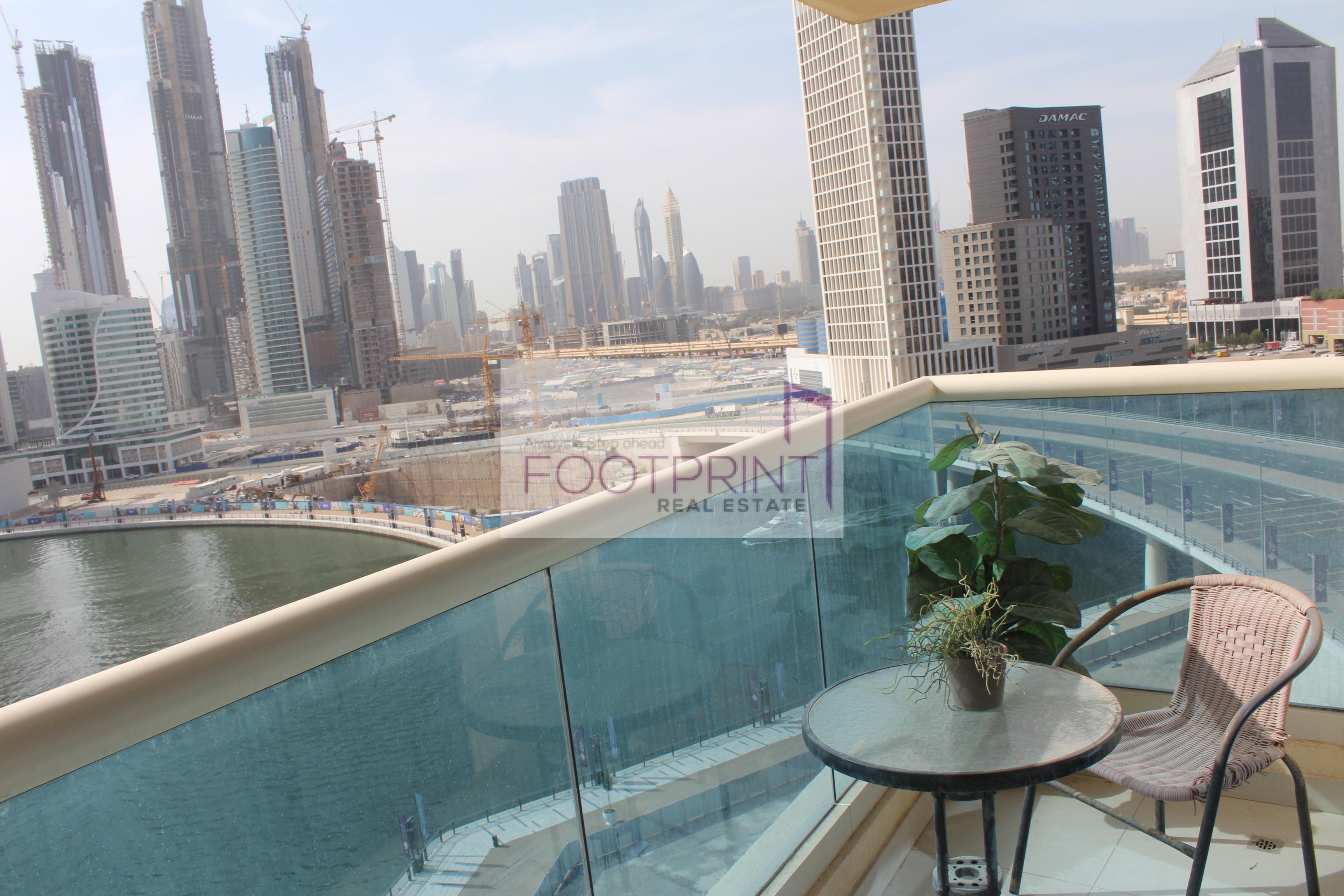 Luxury 2 Bedroom Apartment | Lake View