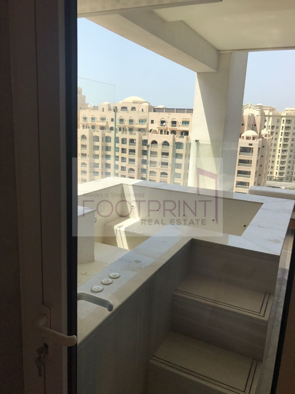 !! Larger Size 3Br + Maid With Sea View