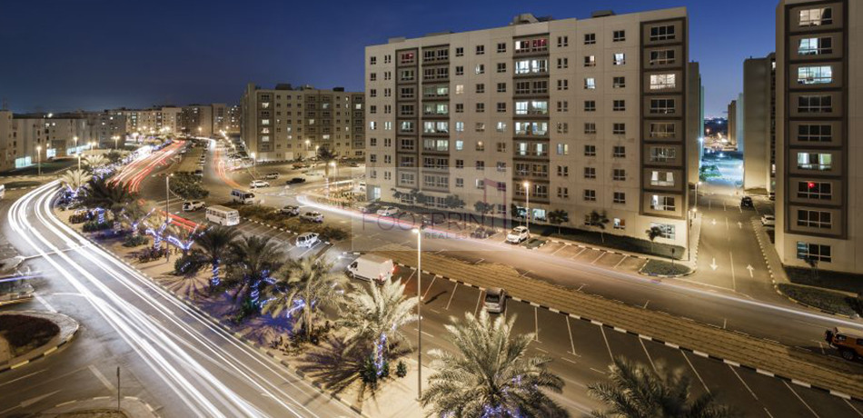 Al Khail Gate Phase1 2BR Aprt in Al Quoz