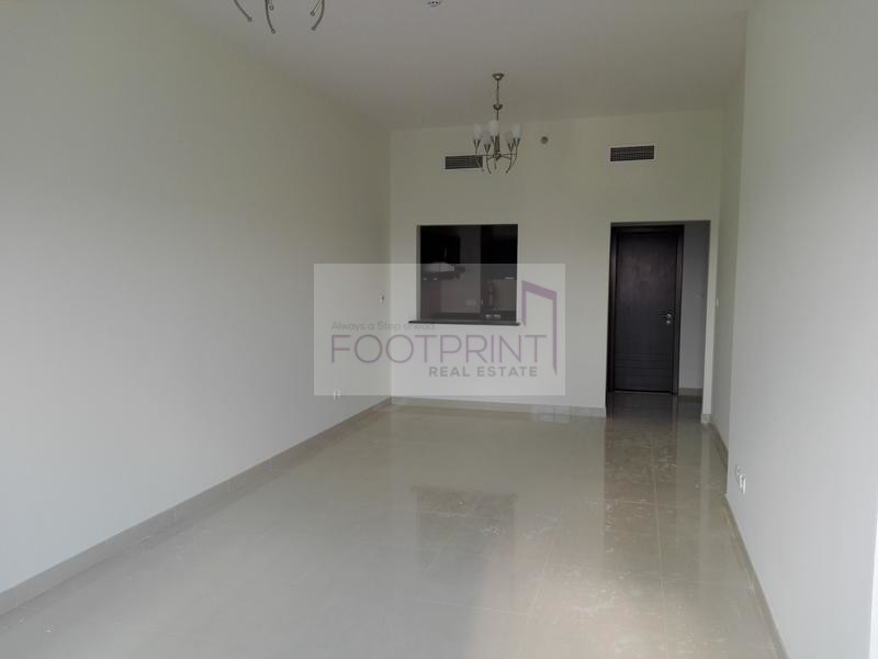 HOT DEAL VACANT 1 BR FOR SALE  IN 710K..