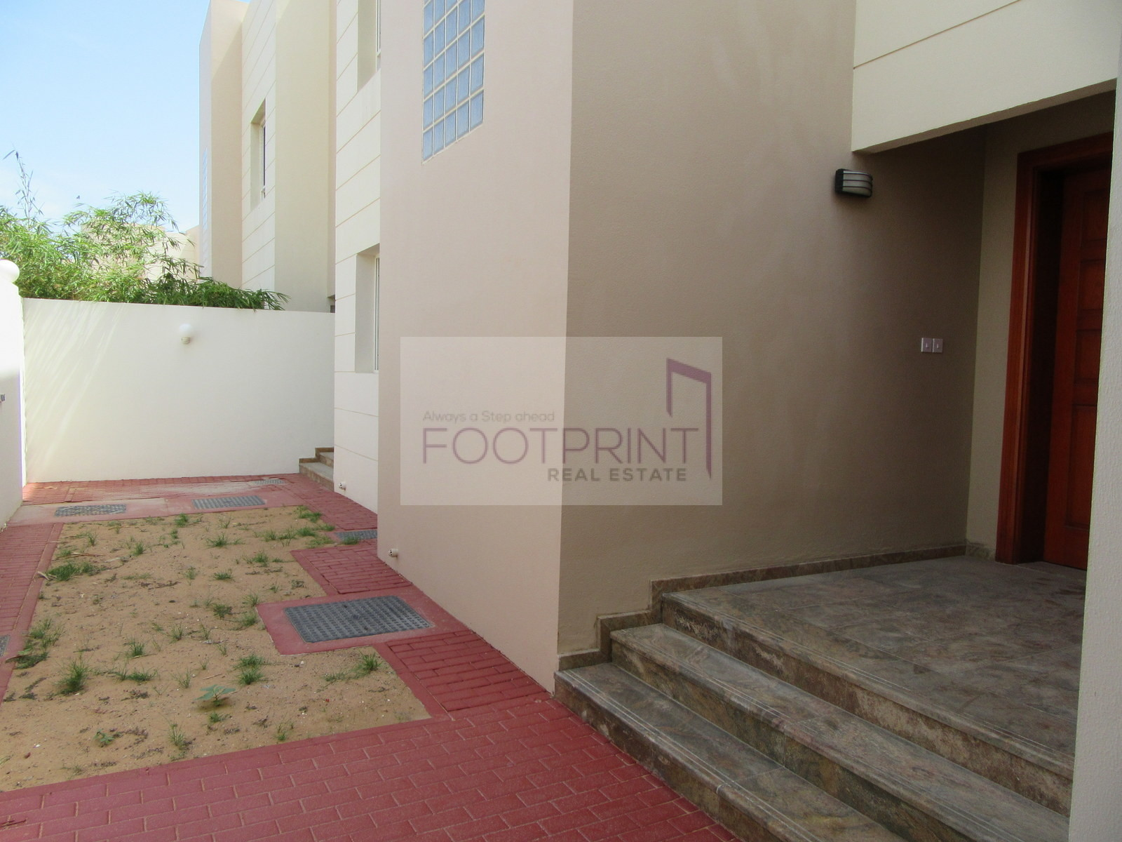 Lovely 3 bedroom | Pvt Garden | 2 months Free