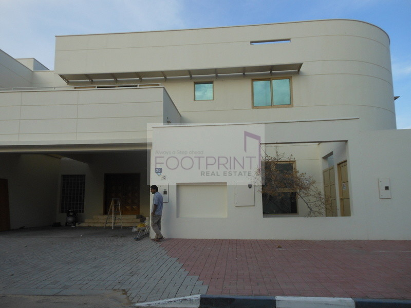 Al Safa Spacious 4bed Villa in Compound