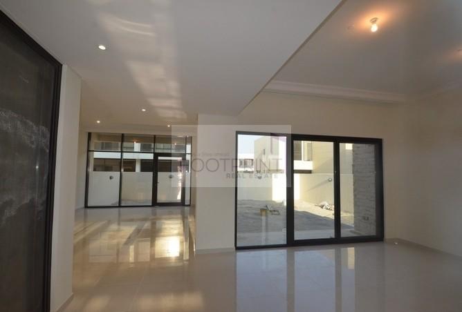 3BR+Maids in Damac Hills Brand New Villa