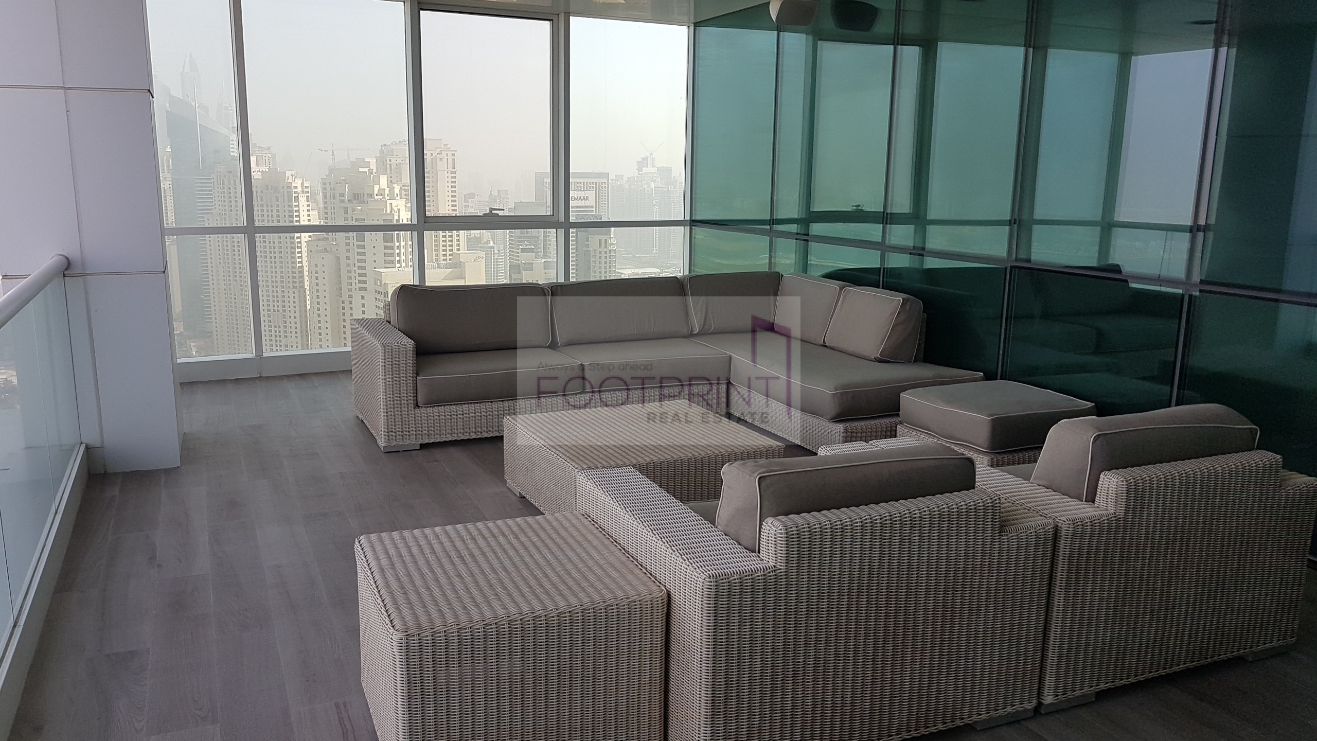 *Le Du_Pont Superb Full Floor Penthouse