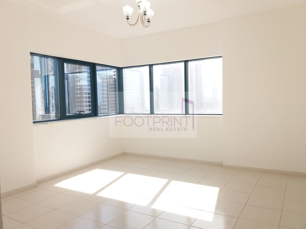 ROAD VIEW| LARGE 2BR| 6CHQ|CHILLER FREE