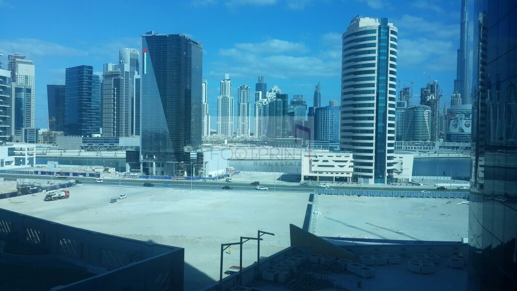Office with Canal & Burj Ul Arab View