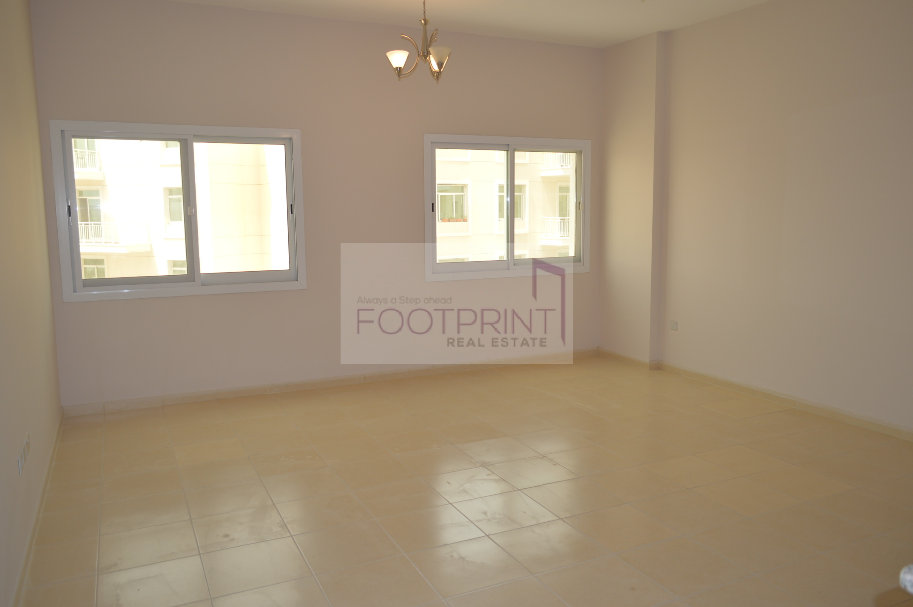 Large 2Br Plus Store Room With 2 Balcony