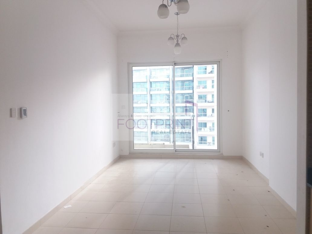 Large 1BR In BBay at Just 60K! Good View