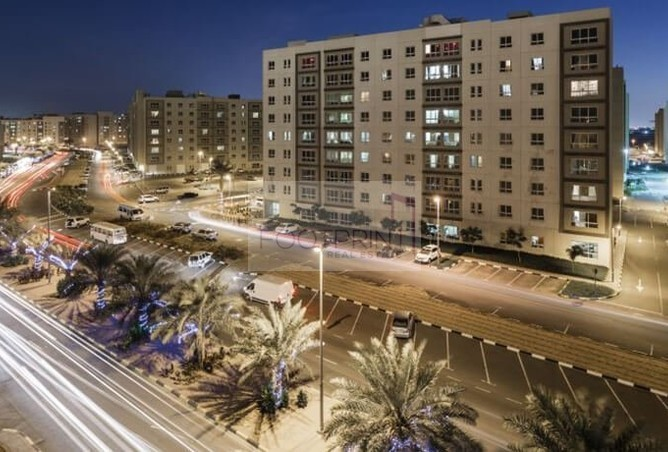 For Family 2BR AlKhail Gate,Pay 12 Cheqs