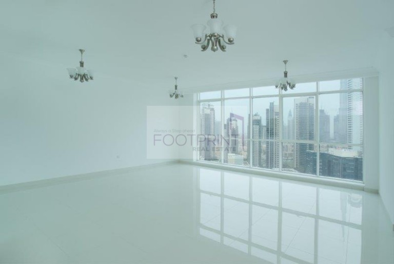 luxurious  Month Free   3 BR   Lake View