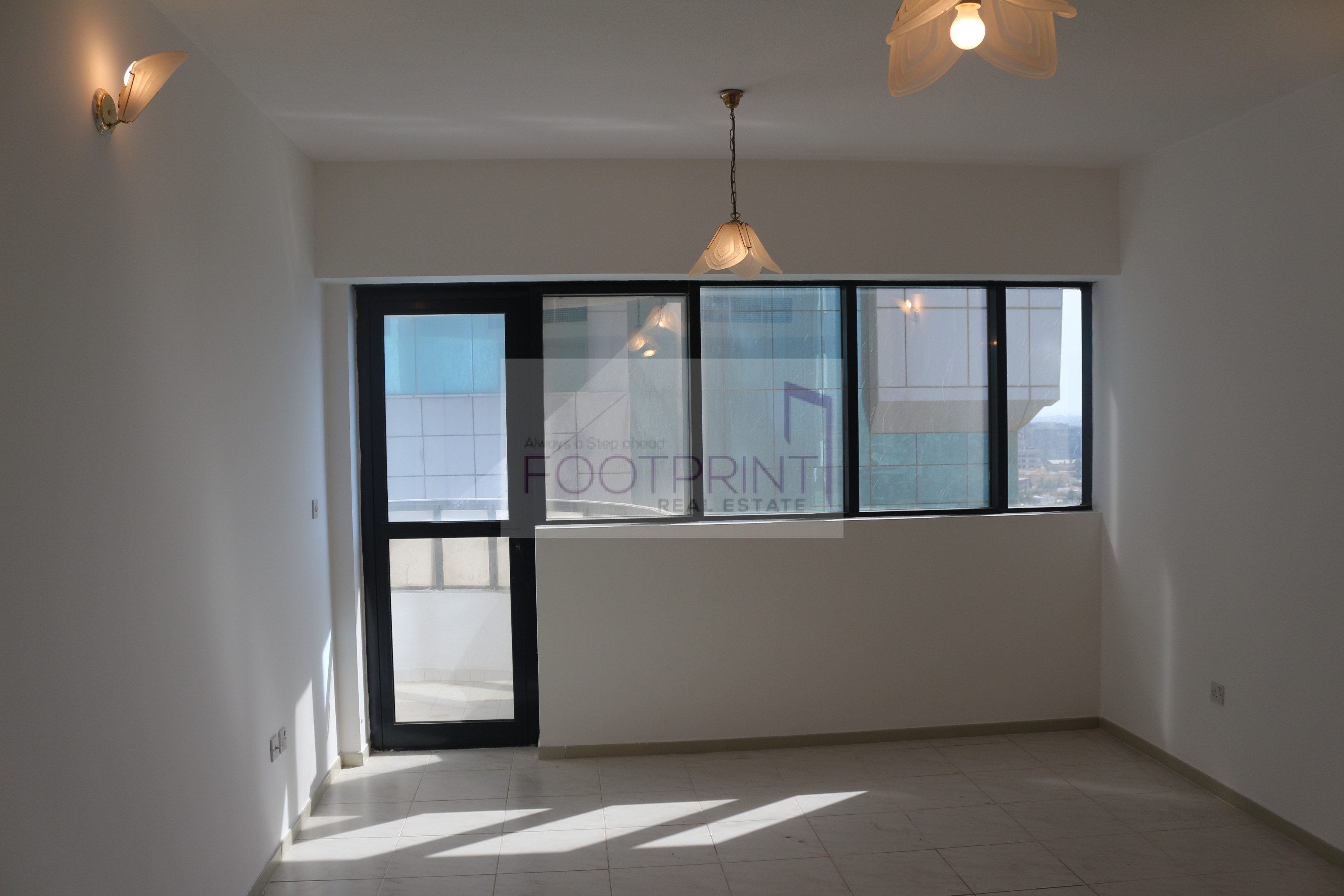 Huge 2BR| 1 Month Free| 2 Mins to Metro!