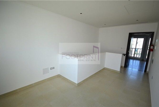 1 BR amazing townhouse with park view !!