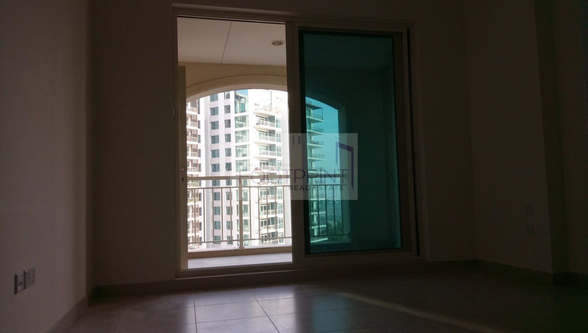 Canalview+Spacious living area+Hot price
