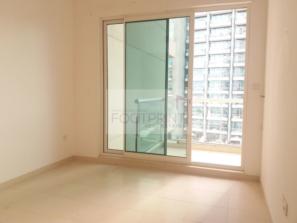 Best Offer Bright 1 BHK With Lake Views.