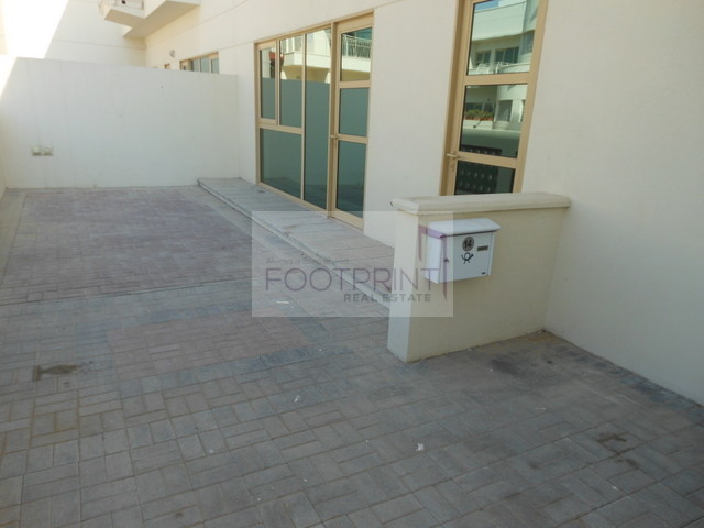 Spacious and Bright 4bed Villa in Compound