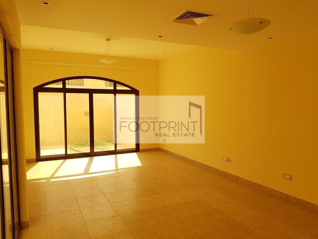 Ugrent sale 3 BEDROOM villa for Just 2.7