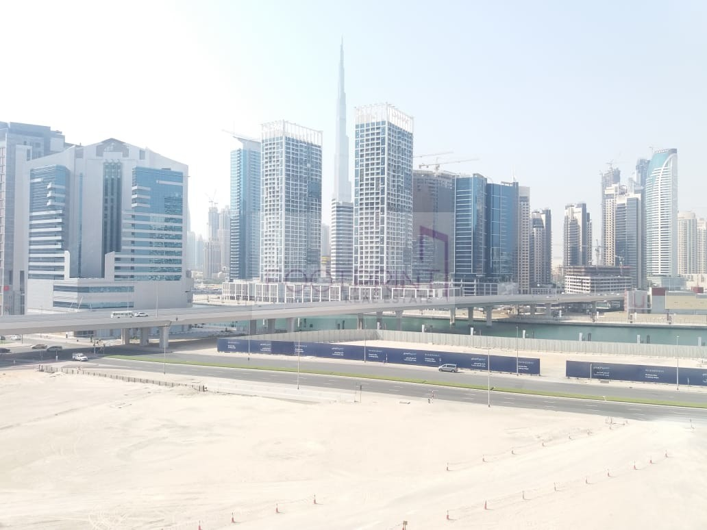 Amazing Studio Unit With Burj Lake View.